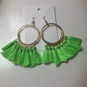 ⭐️NWOT Boho gold hoops with bright green tassels⭐️